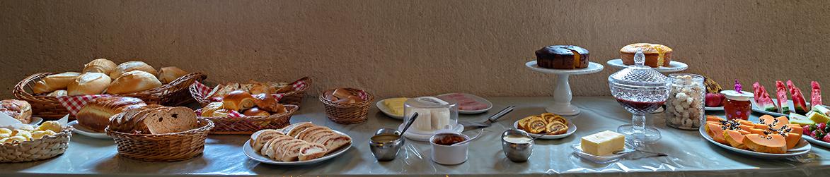Café da manhã – Pousada em Brotas